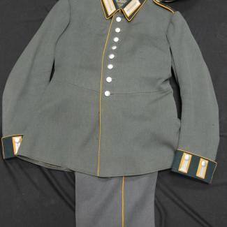 1970.36.47 (Uniform) image