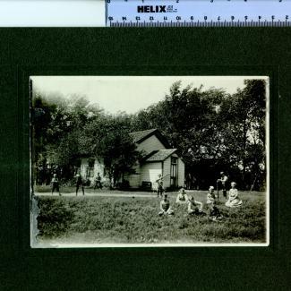 1975.4.0084 (Print, photographic) image