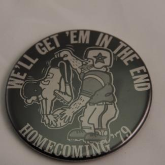 1996.13.9 (Pin, homecoming) image