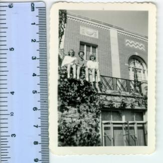 2000.9.9 (Print, photographic) image