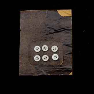 1970.47.3.994 (Button) image
